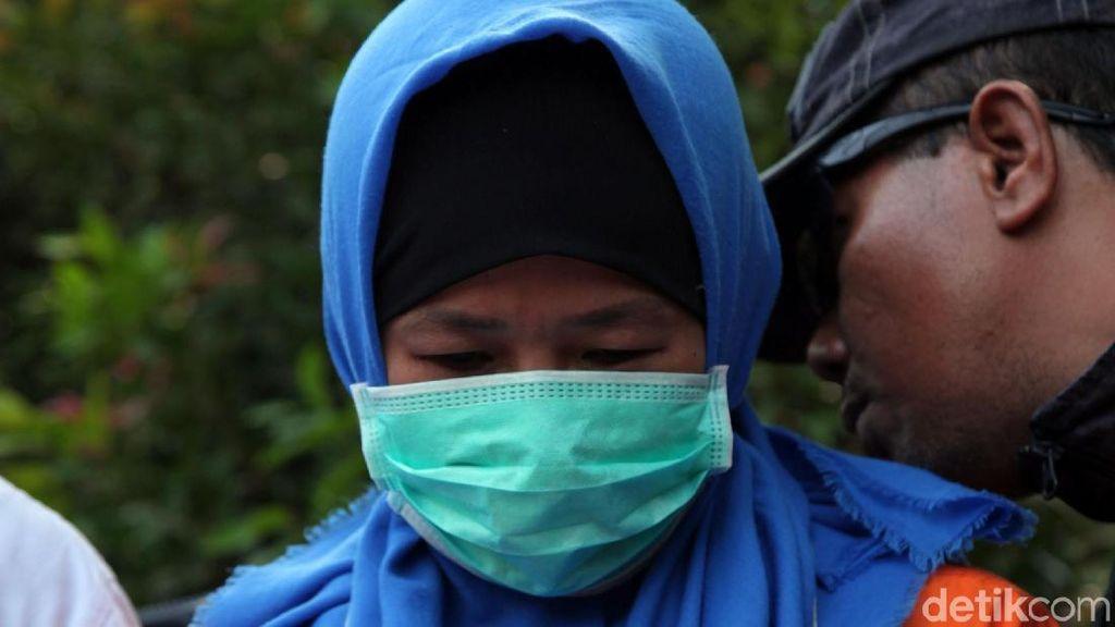 Jaksa Ungkap Aulia Kesuma Sewa 3 Dukun untuk Santet Pupung-Dana