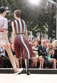 Jadi Penonton, Kendall Jenner Kangen Tampil di New York Fashion Week Lagi