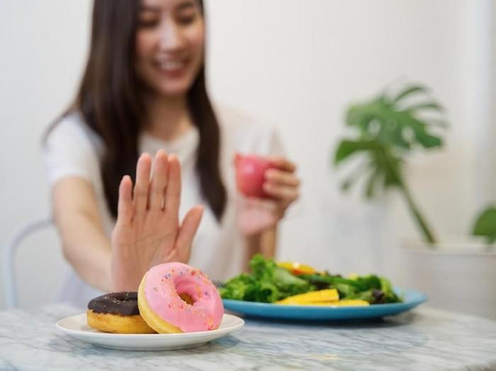 11 Tips Diet Tanpa Olahraga Yang Ampuh Turunkan Berat Badan