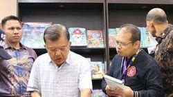 Wapres Jusuf Kalla Borong 100 Buku di IIBF 2019