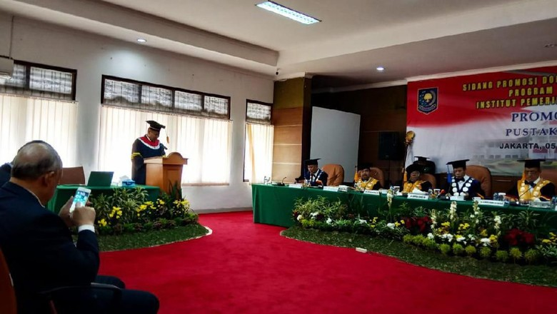 Disertasi Kolonel Arm Pustaka Bangun Ungkap Moncernya Karier Jokowi