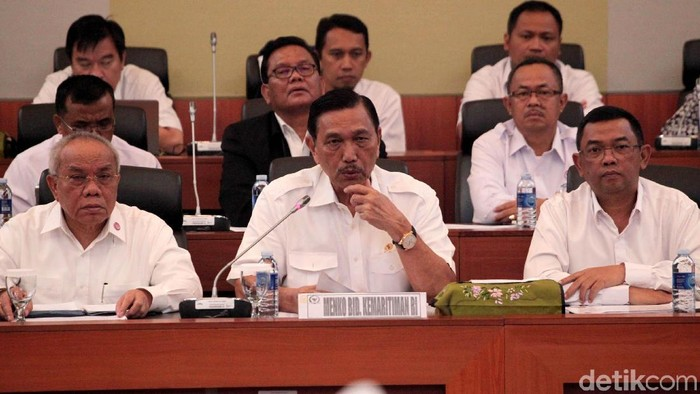 Menteri Koordinator Bidang Kemaritiman Luhut Binsar Panjaitan rapat bareng Badan Anggaran DPR. Apa saja yang dibahas dalam rapat tersebut?