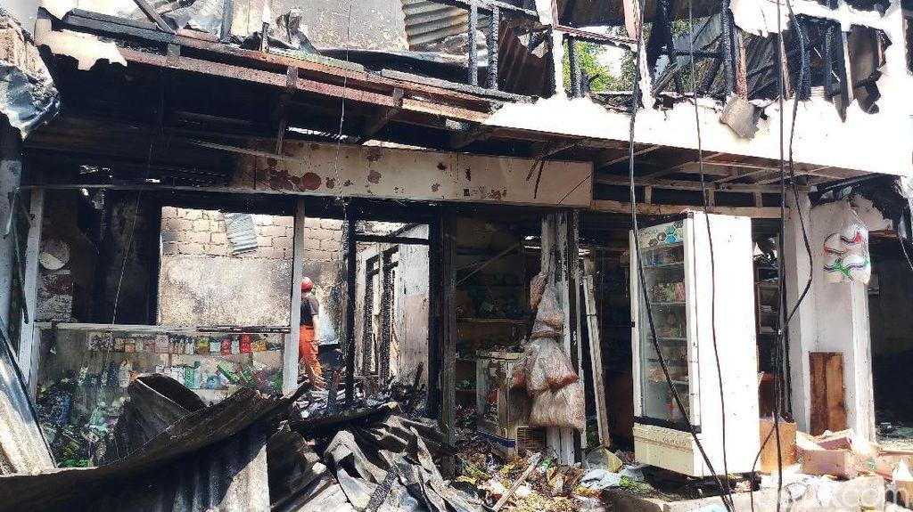 Kebakaran di Potlot Duren Tiga Akibat Korsleting, 4 Bangunan Hangus