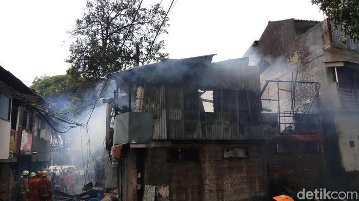 Kebakaran rumah di Potlot, Duren Tiga, Jaksel, Senin (9/9/2019) Foto: Farih Maulana-detikcom