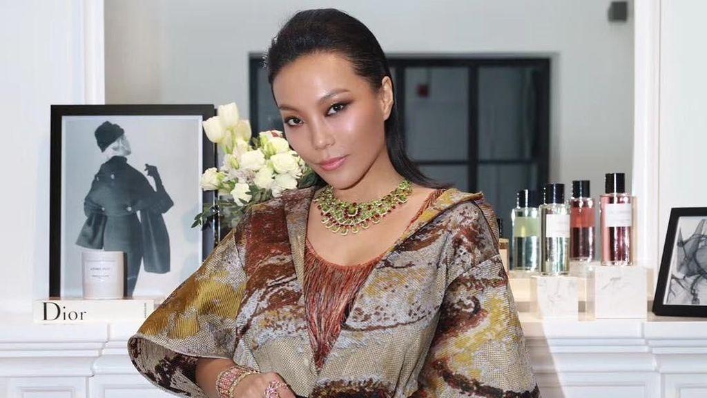 Foto: Gaya Hedon Sosialita China yang Disebut Si Ratu Bling-bling
