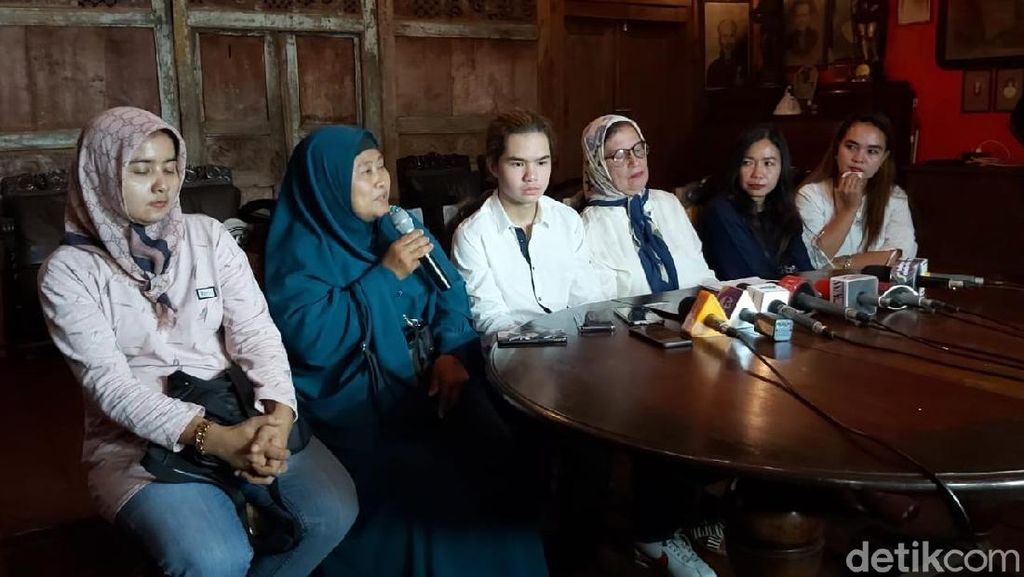Tak Hanya Uang Bulanan, Ahmad Dhani Juga Beri THR ke Keluarga Korban Kecelakaan