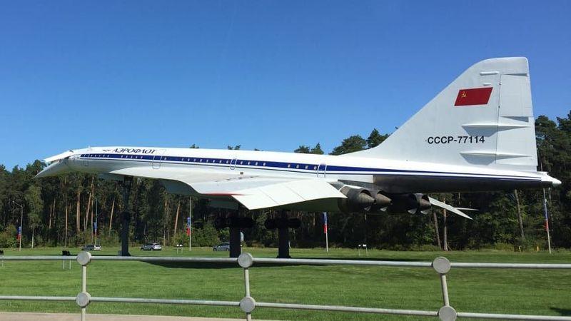 Pameran ini digelar di Kota Zhukovsky, sebuah wilayah yang jadi pusat aviasi Rusia. Ini adalah Tupolev Tu-144 atau Concordsky, pesawat supersonik saingan Concorde (CNN)