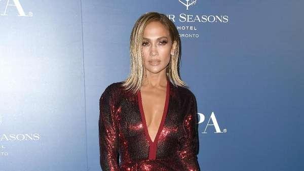 Penampilan Memukau Jennifer Lopez di TIFF 2019