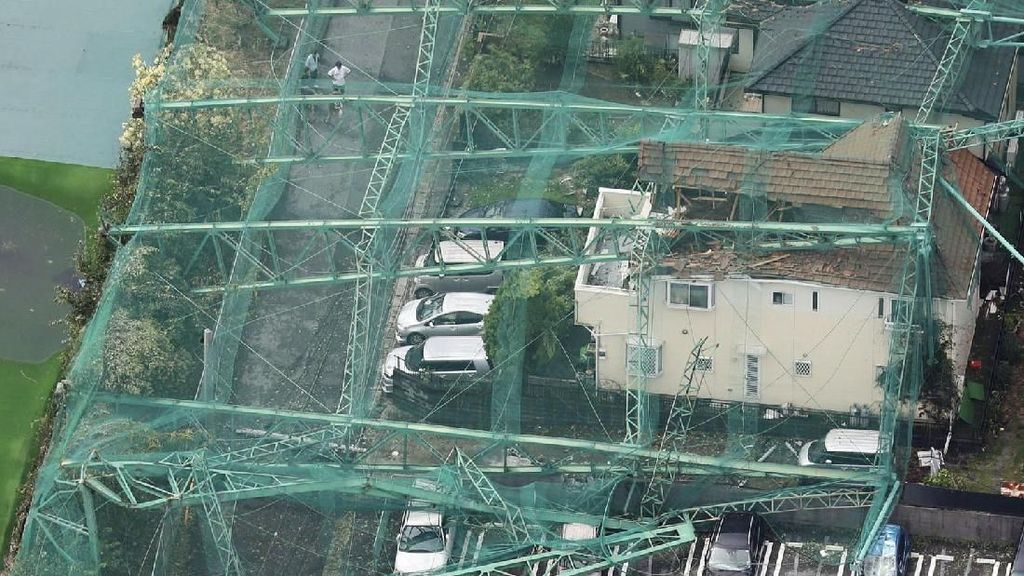 Jejak Topan Faxai Usai Mengamuk di Kota Tokyo