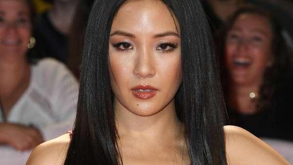Penampilan Seksi Constance Wu, Si Stripper di Hustler