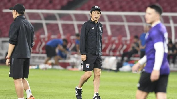 Timnas Thailand saat ini dilatih Akira Nishino.