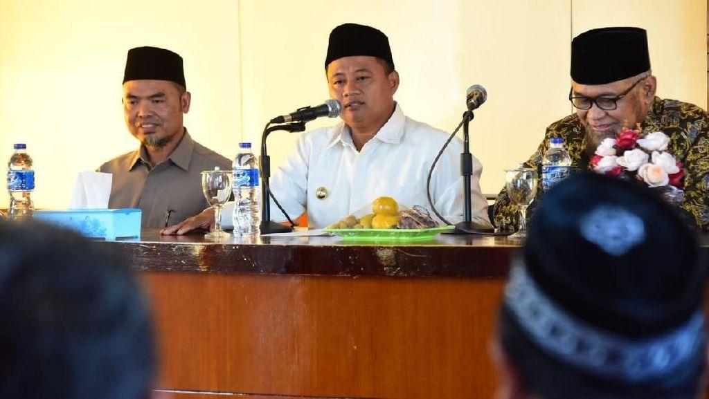 Wagub Jabar Uu Sesalkan Ada Penusukan Santri di Cirebon