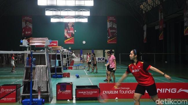 Atlet binaan PB Djarum berlatih. (Foto: Akrom Hazami/detikSport)