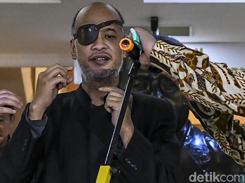 Profil Thareq Kemal Habibie, yang Curi Perhatian Pakai Penutup Mata