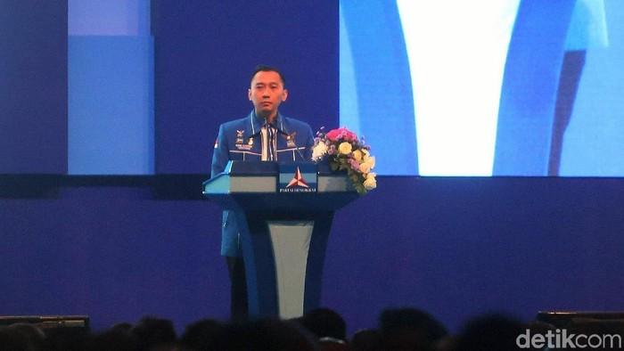 Ketua Fraksi Demokrat DPR RI Edhie Baskoro Yudhoyono (Ibas) memimpin pembekalan anggota legislatif 2019-2024 Partai Demokrat. Acara itu digelar di JCC, Jakarta.