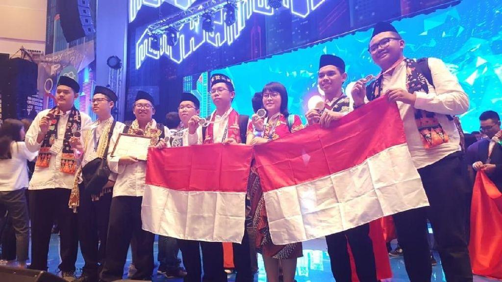 Tim Pelajar DKI Raih Juara Dua di Olimpiade Metropolis Moskow
