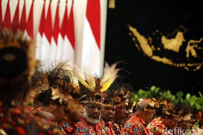 Tokoh Papua Bicara ke Jokowi soal Persaingan Penduduk dan Lingkungan