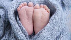 Tega! Bayi 2 Bulan Ditinggal Ibunya di Penjual Buah Pasar Pinrang Sulsel