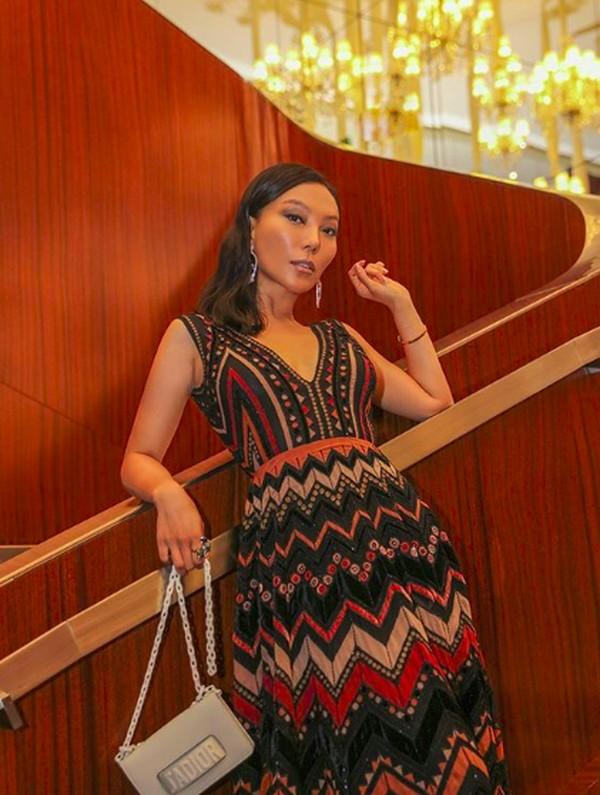 Namanya Wan Baobao, sosialita China yang gemar membeli perhiasan hingga dia dijuluki Ratu Bling-bling. Dia berdomisili di New York. (baobaowan/Instagram)