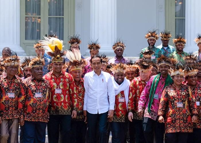 Foto pertemuan Jokowi dengan para tokoh Papua. (Andhika Prasetia/detikcom).