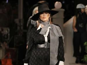 7 Tips Memilih Baju Untuk Wanita Gemuk, Bikin Lebih PD dan Stylish