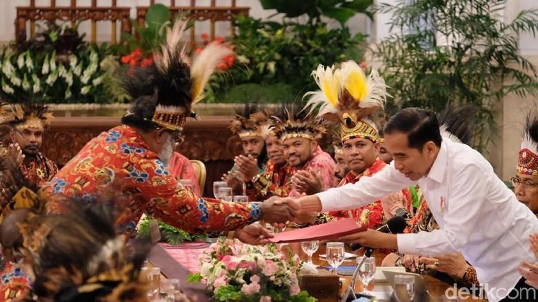 Ini 10 Poin Aspirasi Tokoh Papua Saat Bertemu Jokowi di Istana