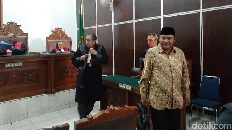 Eks Gubernur Aceh Abdullah Puteh Divonis 1,5 Tahun Penjara Kasus Penipuan