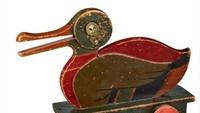 Perusahaan mainan ternama ini awalnya menjual mainan kayu sebelum beralih ke mainan berbasis plastik. Ini barang yang dijualnya pada 1930. Istimewa/Dok. Boredpanda.