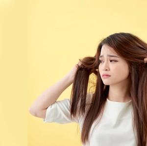 Rambut Rontok karena Catok dan Pewarnaan, Ini Solusinya