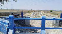 Sungai Kering, Warga Demak Terpaksa Beli Air untuk Mandi dan Masak