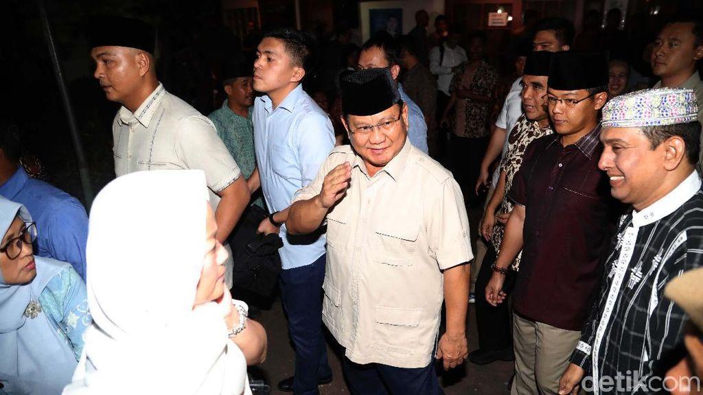 Prabowo Melayat ke Rumah Duka BJ Habibie