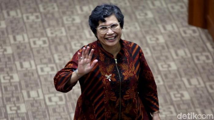 Lili Pintauli Siregar menjalani uji kelayakan dan kepatutan di DPR. Capim KPK perempuan satu-satunya itu pun buka suara terkait revisi UU KPK.