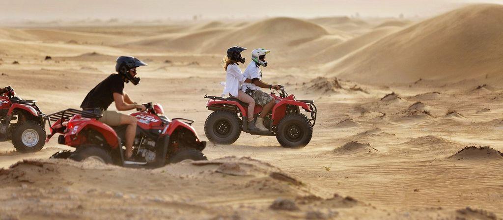 Wisata Padang Pasir di Dubai