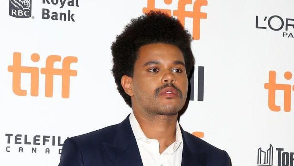 Bruno Mars Komentari Kumis Baru The Weeknd, Ini Tanggapan Fans