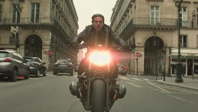 Adegan Tom Cruise Terjun Betulan di Mission Impossible Viral
