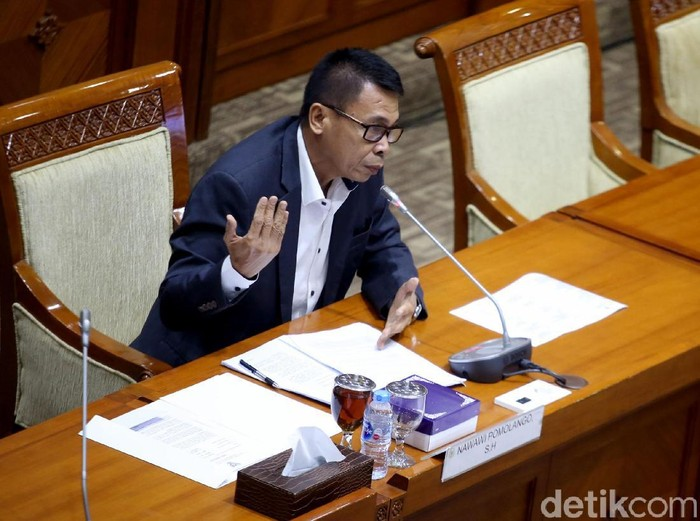 Komisi III DPR RI gelar uji kepatutan dan kelayakan bagi calon pimpinan (capim) KPK. Nawawi Pomolango jadi capim KPK pertama yang diuji oleh DPR.