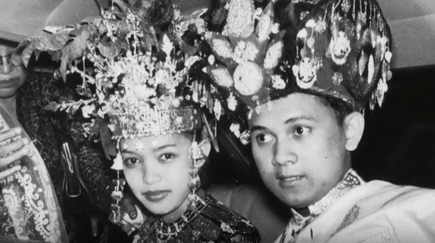 Kisah cinta BJ Habibie dan Ainun yang menginspirasi hingga dijadikan film.