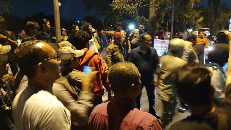 Demo di Depan Kantor BPN Bekasi Berakhir Ricuh, 4 Orang Diamankan