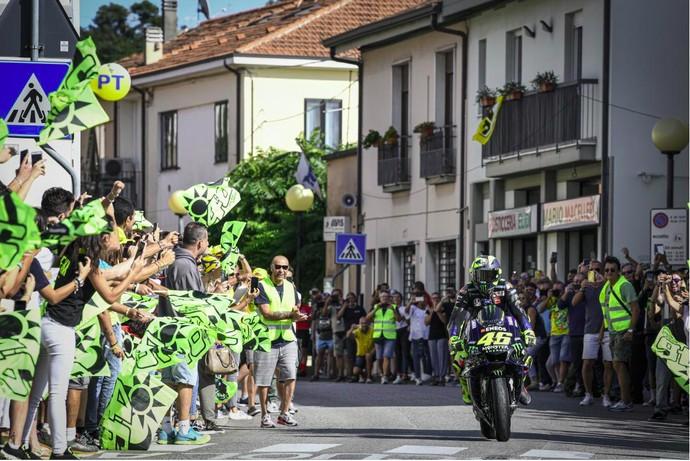 MotoGP akhir pekan ini akan digelar di sirkuit Misano, Italia. Pebalap Yamaha Valentino Rossi akan menjadi tuan rumah di seri MotoGP San Marino akhir pekan ini. Maklum, kampungnya di Tavullia berada tak jauh dari sirkuit Misano. Foto: Dok. MotoGP