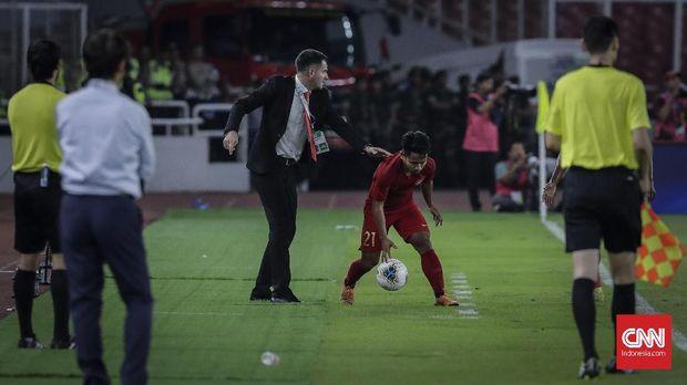 Simon McMenemy dipecat usai Indonesia menelan kekalahan beruntun di Kualifikasi Piala Dunia 2022.