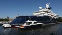 Anda kini dapat membeli superyacht milik mendiang Paul Allen yang dibanderol USD 325 juta atau Rp 4,5 triliun. Itu adalah superyacht mewah sepanjang 126 meter (Fraser/CNN)