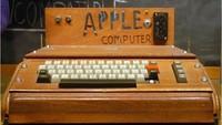 Begini tampilan pertama komputer yang diciptakan Steve Jobs cs. Komputer ini bernama Apple I dibuat tahun 1975. Istimewa/Dok. Boredpanda.