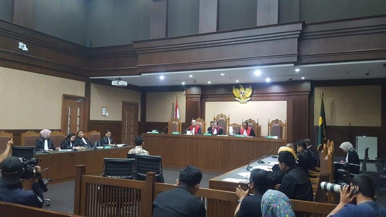 Romahurmuziy Didakwa Terima Suap Rp 325 Juta Bersama Menag Lukman Hakim