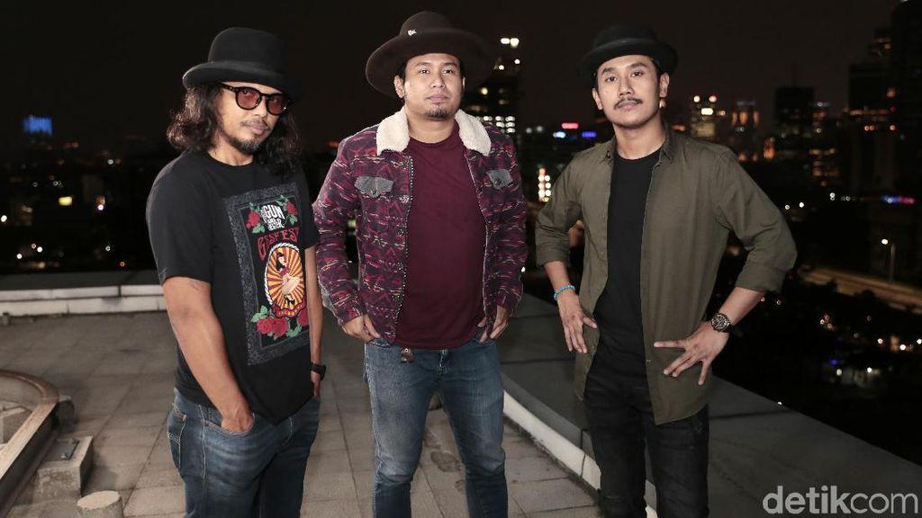 Lika-liku Proses Kreatif Gugun Blues Shelter Pertahankan Blues Rock