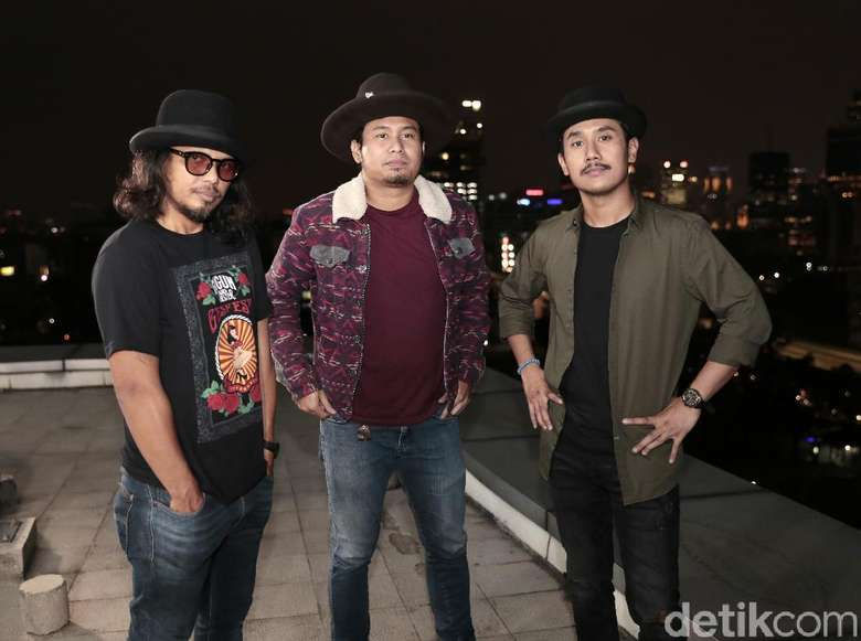 Lika-liku Proses Kreatif Gugun Blues Shelter Pertahankan Blues Rock