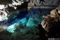 Kupang Punya Gua Ajaib Berair Sejernih Kristal
