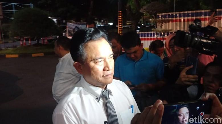 Yusril Kenang Proses Pergantian Presiden Soeharto ke BJ Habibie