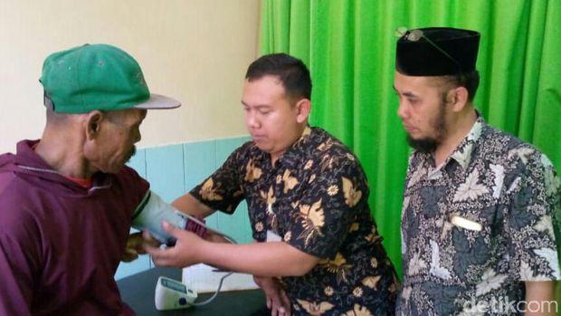 Tolak Pemagaran, Warga dan TNI Bentrok di Kebumen