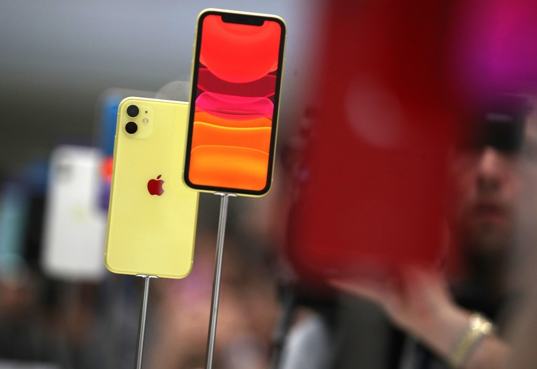 Seperti pendahulunya, iPhone 11 dibuat warna-warni. Foto: Justin Sullivan/Getty Images
