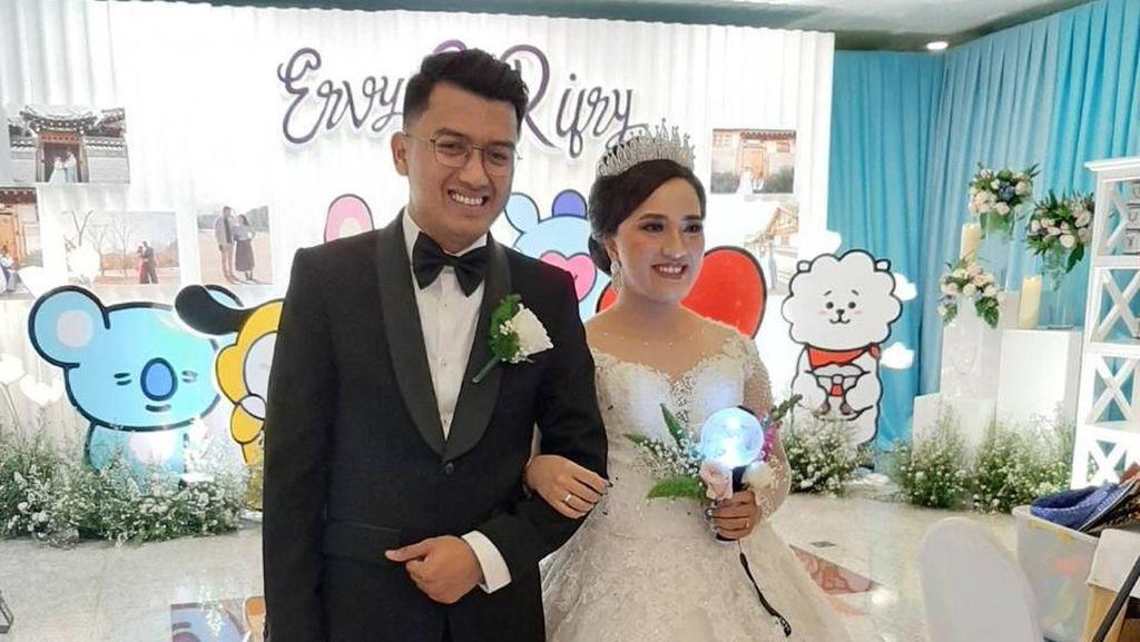 Foto: Serunya Pernikahan KPopers Indonesia Bertema BTS yang Jadi Viral